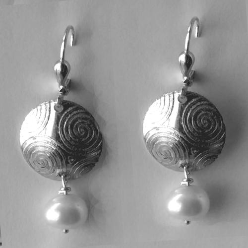 Newgrange pearl earrings